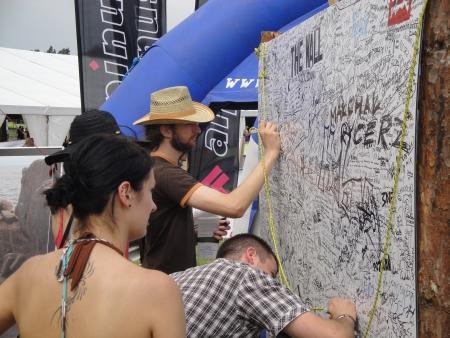 Tablica The Wall po dwóch dniach festiwalu była zapełniona z dwóch stron!